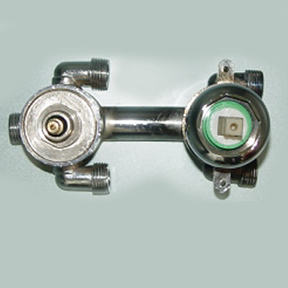 3 phase cold/hot water switch